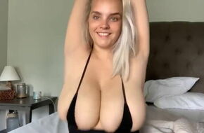 Big boobs bouncing gif